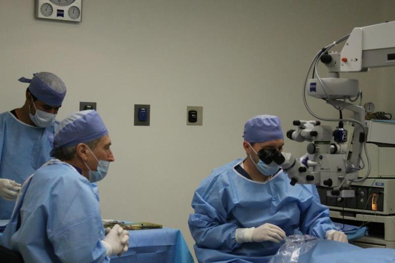 Cirujano oftalmologo, alta especialidad
