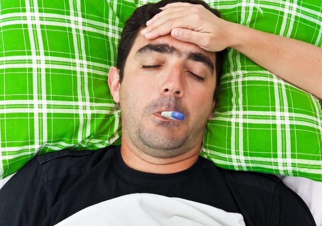 Doc preview hombre con gripe