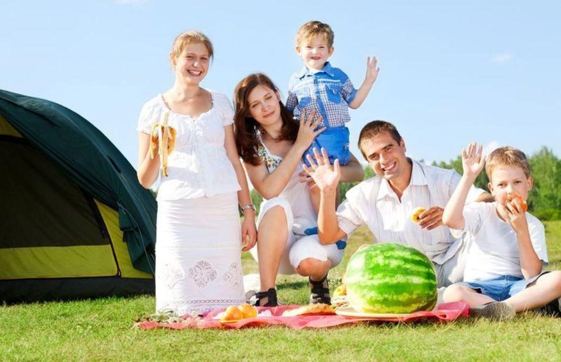 Doc preview familia en picnic