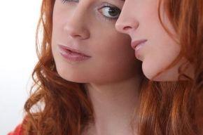 Tip list mujer al espejo