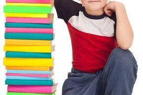 Tip_list_ni_o_con_libros