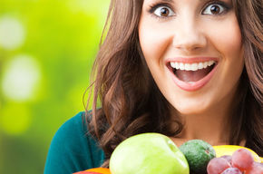 Tip_list_123_mujer_sonriendo_fruta